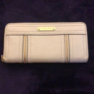 Michael Kors White Wallet